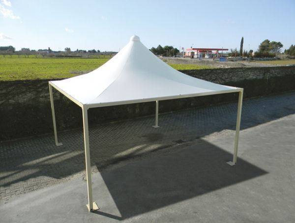 Fabric shade structure / for public areas